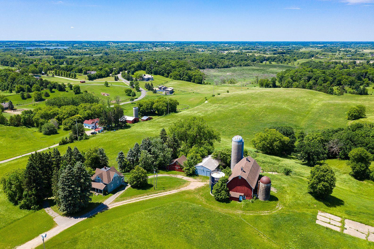 725 Game Farm Road N Property Photo - Minnetrista, MN real estate listing