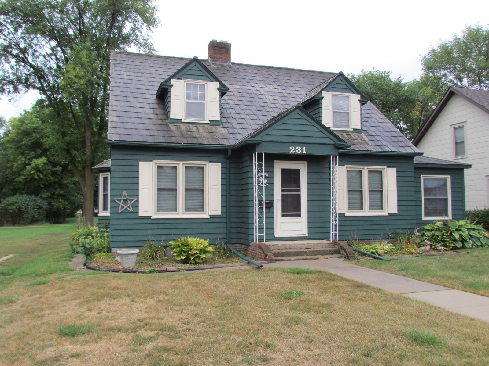 231 S Main Street Property Photo - Sanborn, MN real estate listing