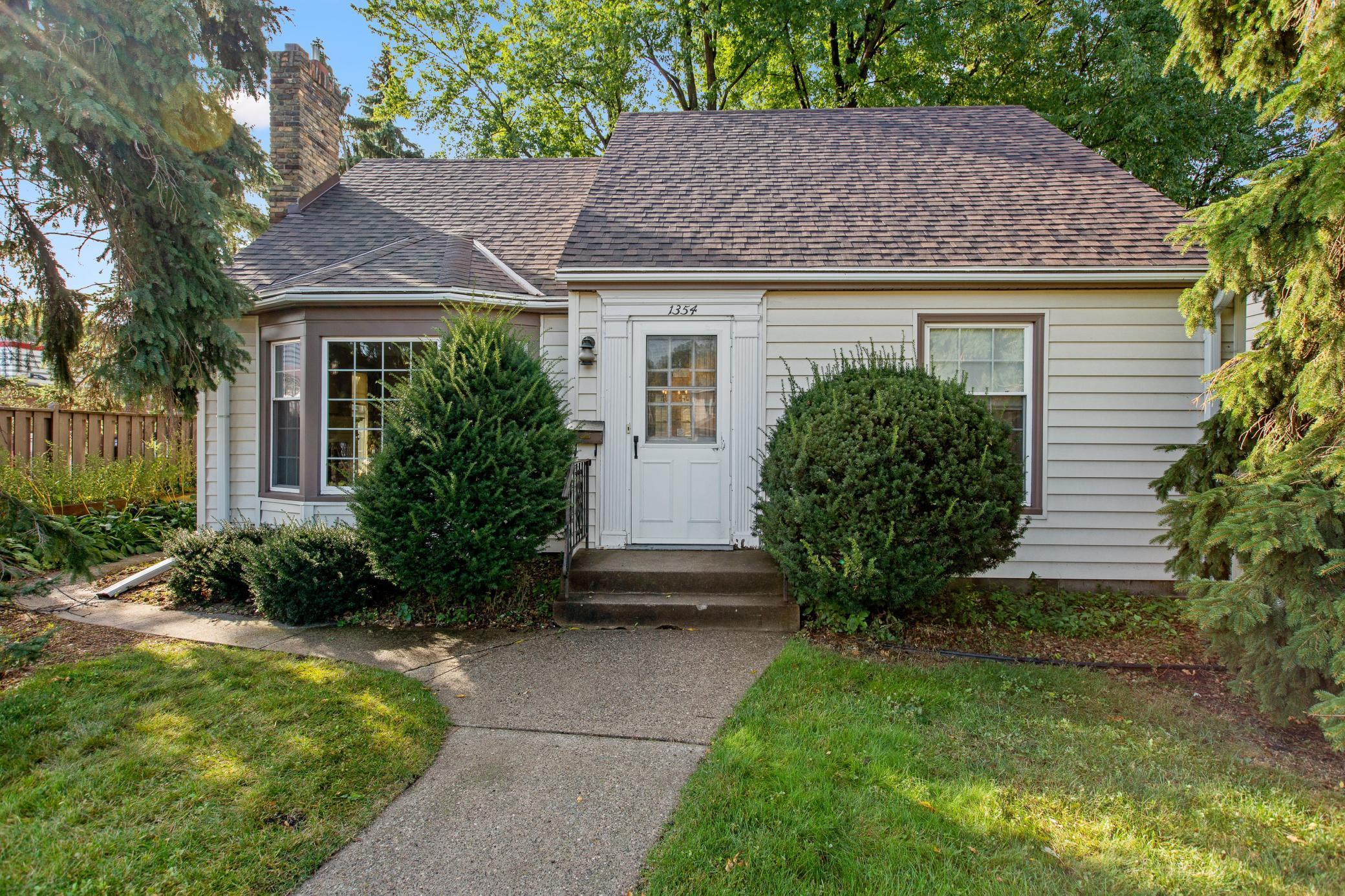 1354 Larpenteur Avenue W Property Photo - Falcon Heights, MN real estate listing