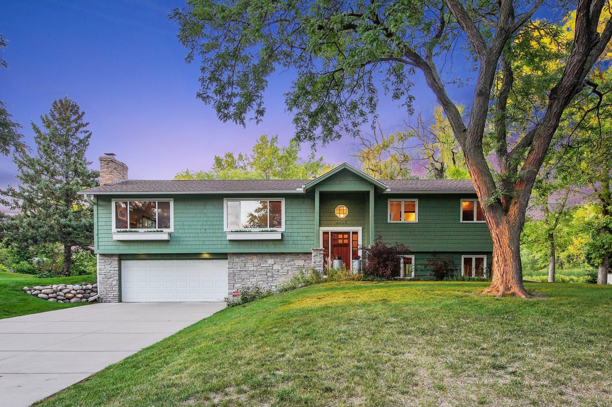 6630 Cortlawn Circle N Property Photo - Golden Valley, MN real estate listing