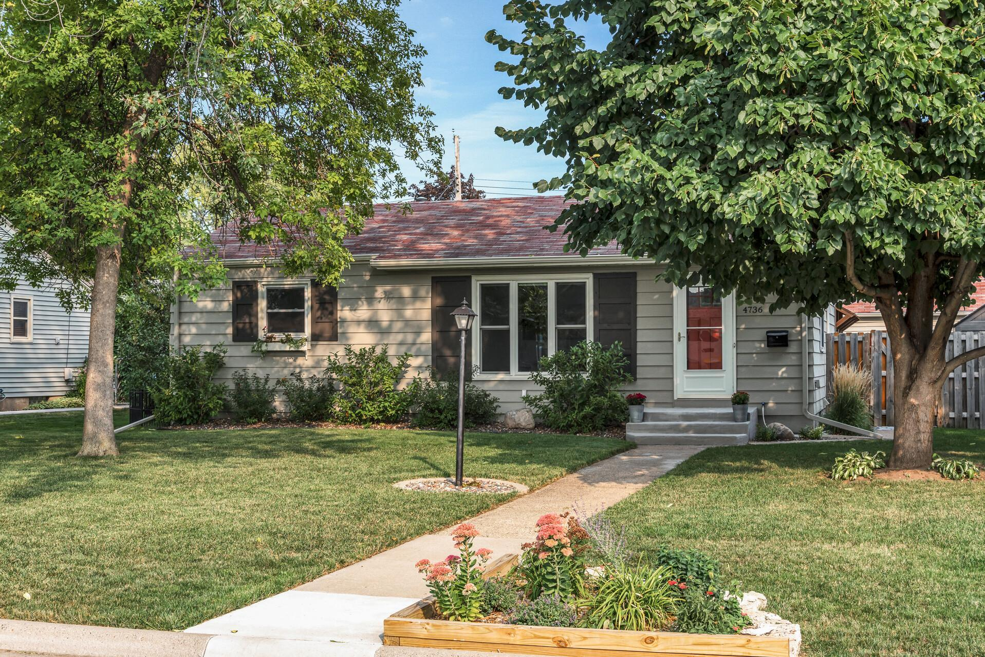 4736 Zane Avenue N Property Photo