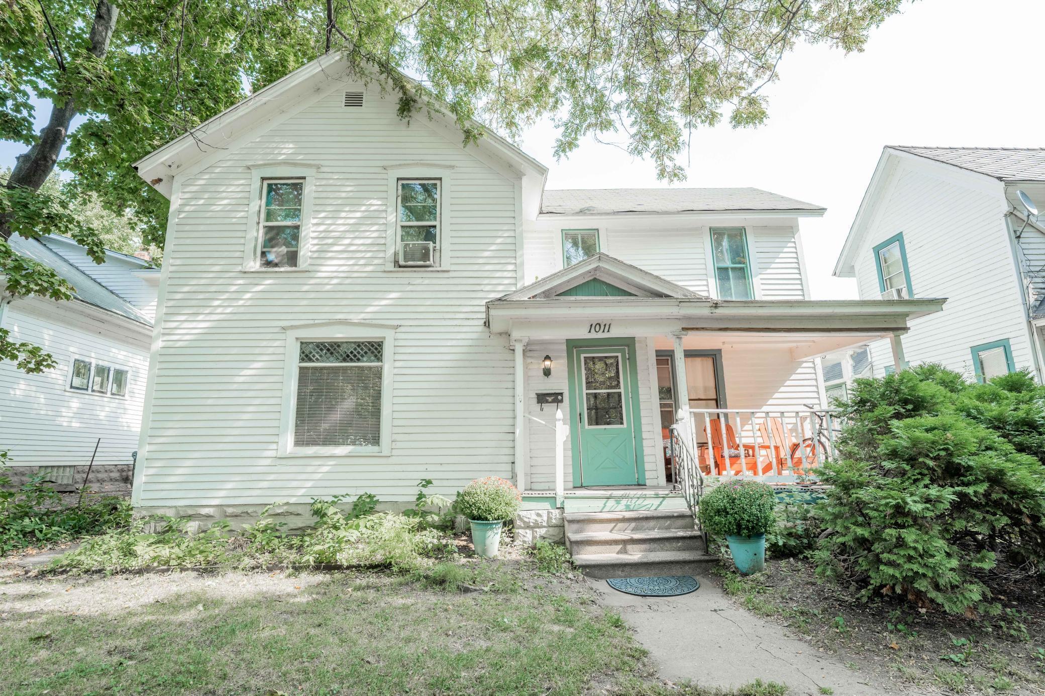 1009-1011 2nd Avenue Property Photo