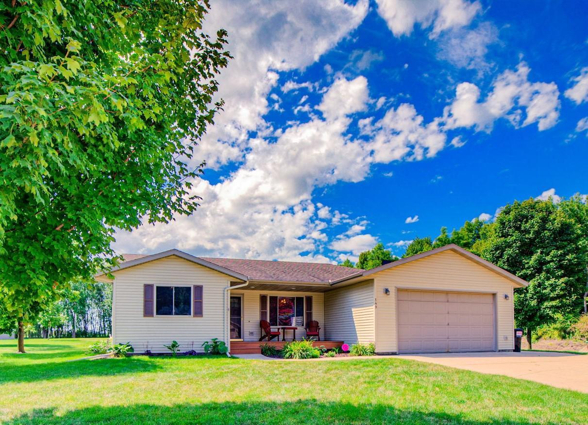 149 Woodland Drive Property Photo - Henderson, MN real estate listing