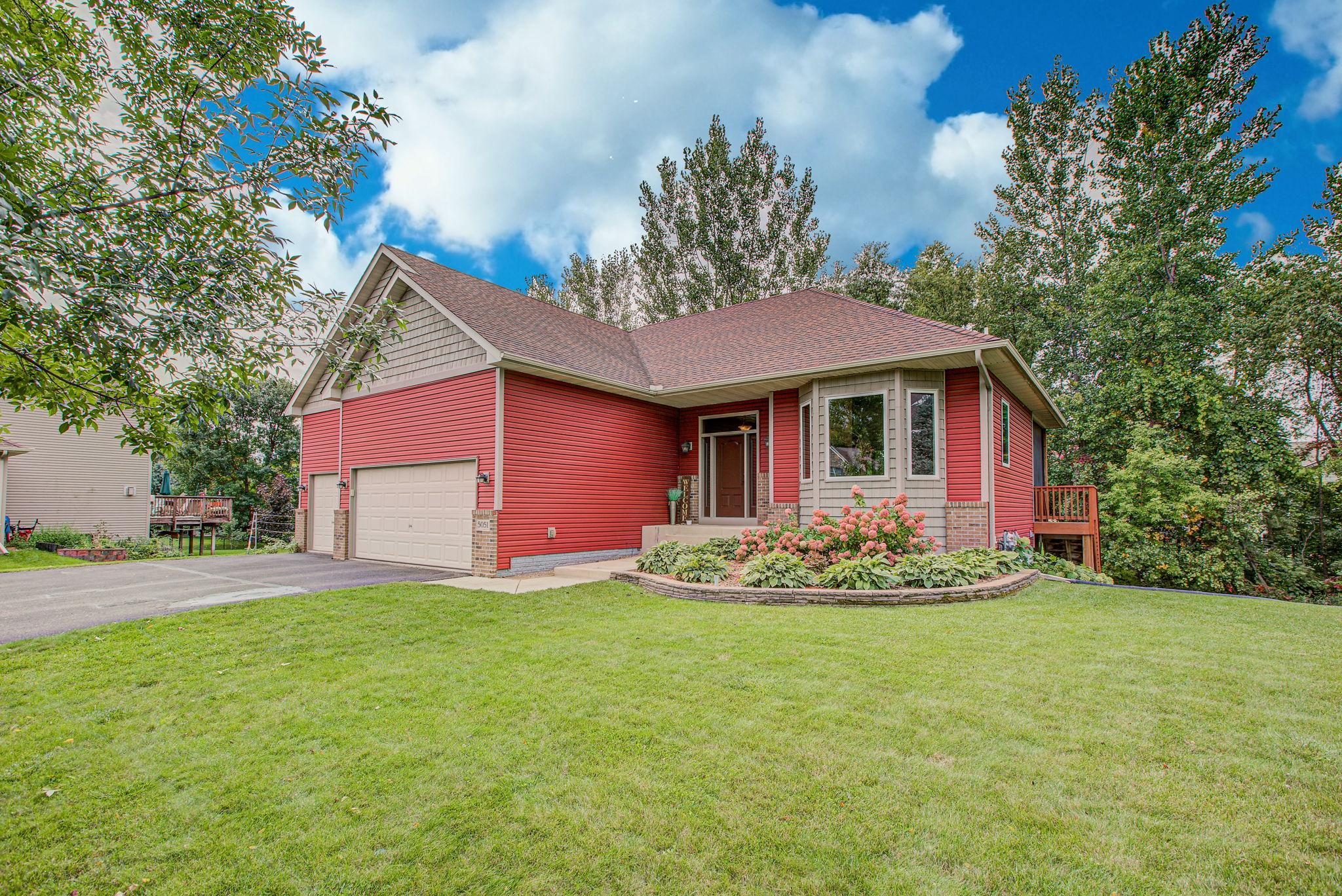 5051 Kahler Court NE Property Photo - Albertville, MN real estate listing