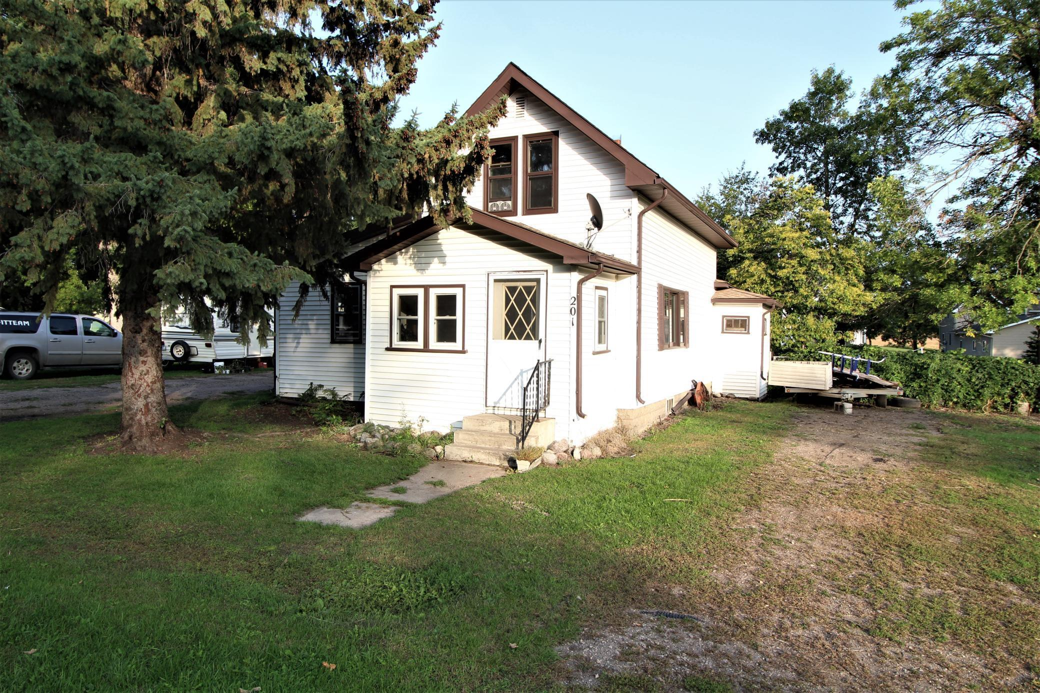 201 S 9th Street Property Photo - Kerkhoven, MN real estate listing