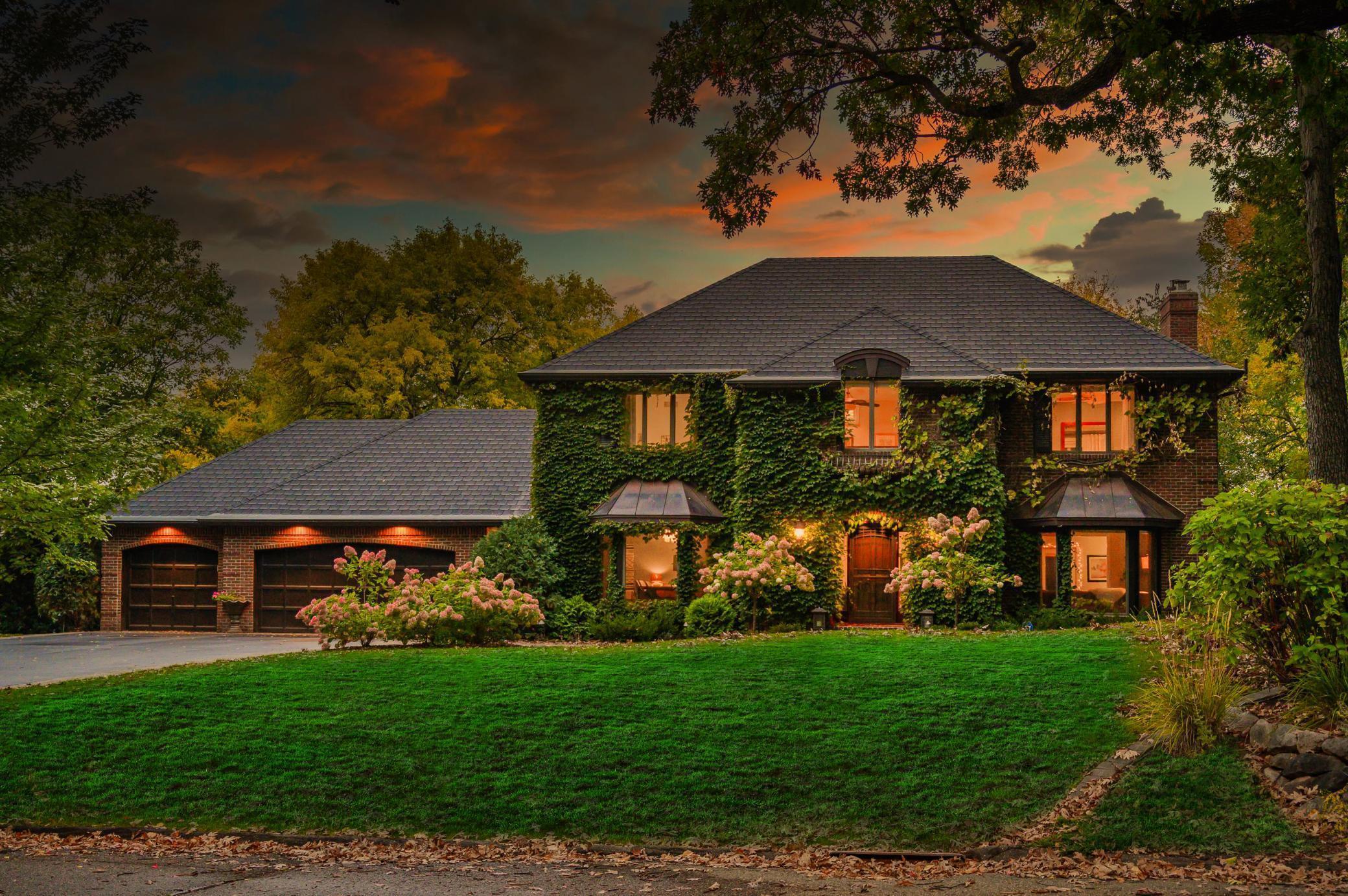 2100 Dwight Lane Property Photo - Minnetonka, MN real estate listing