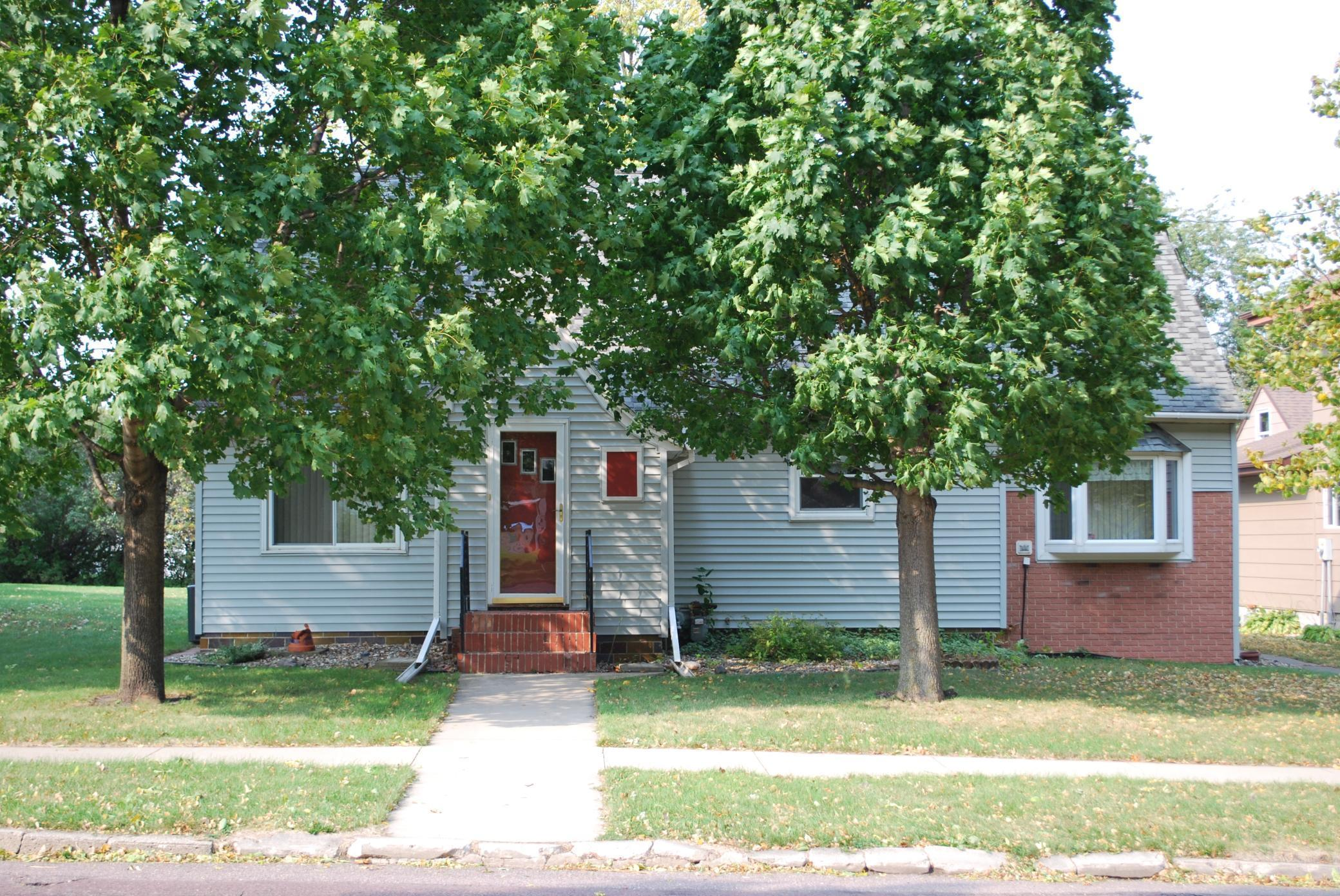 105 E 2nd Street Property Photo - Sherburn, MN real estate listing