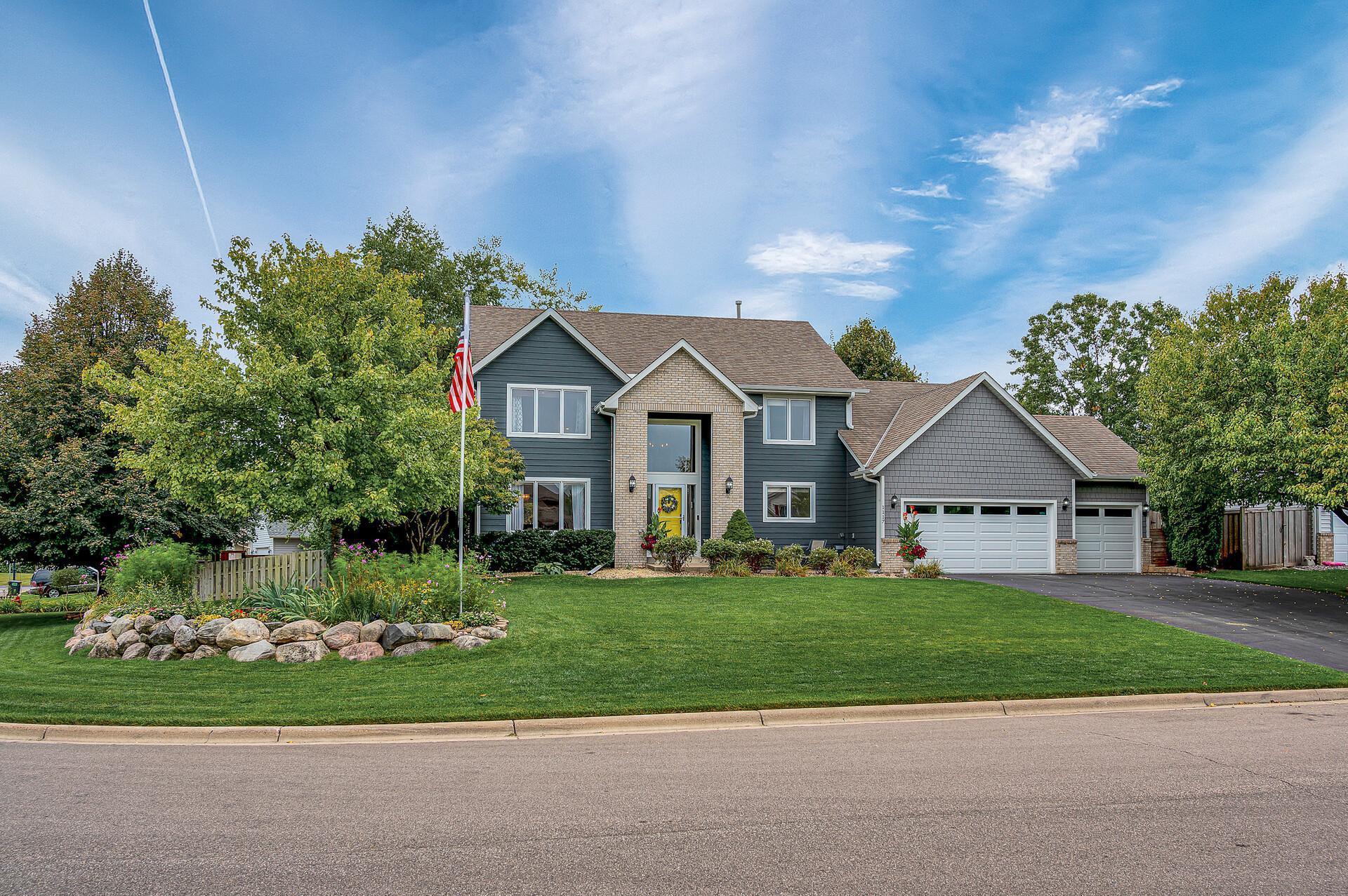 1117 Earley Shores Lane Property Photo - Burnsville, MN real estate listing