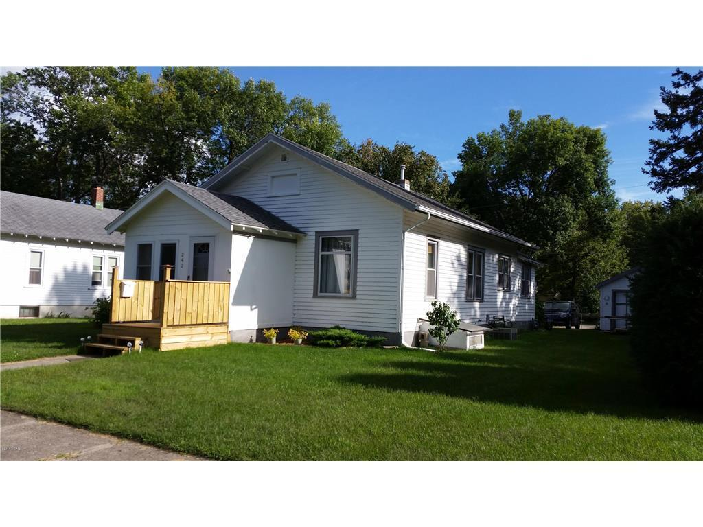 242 E Rooney Avenue Property Photo - Appleton, MN real estate listing