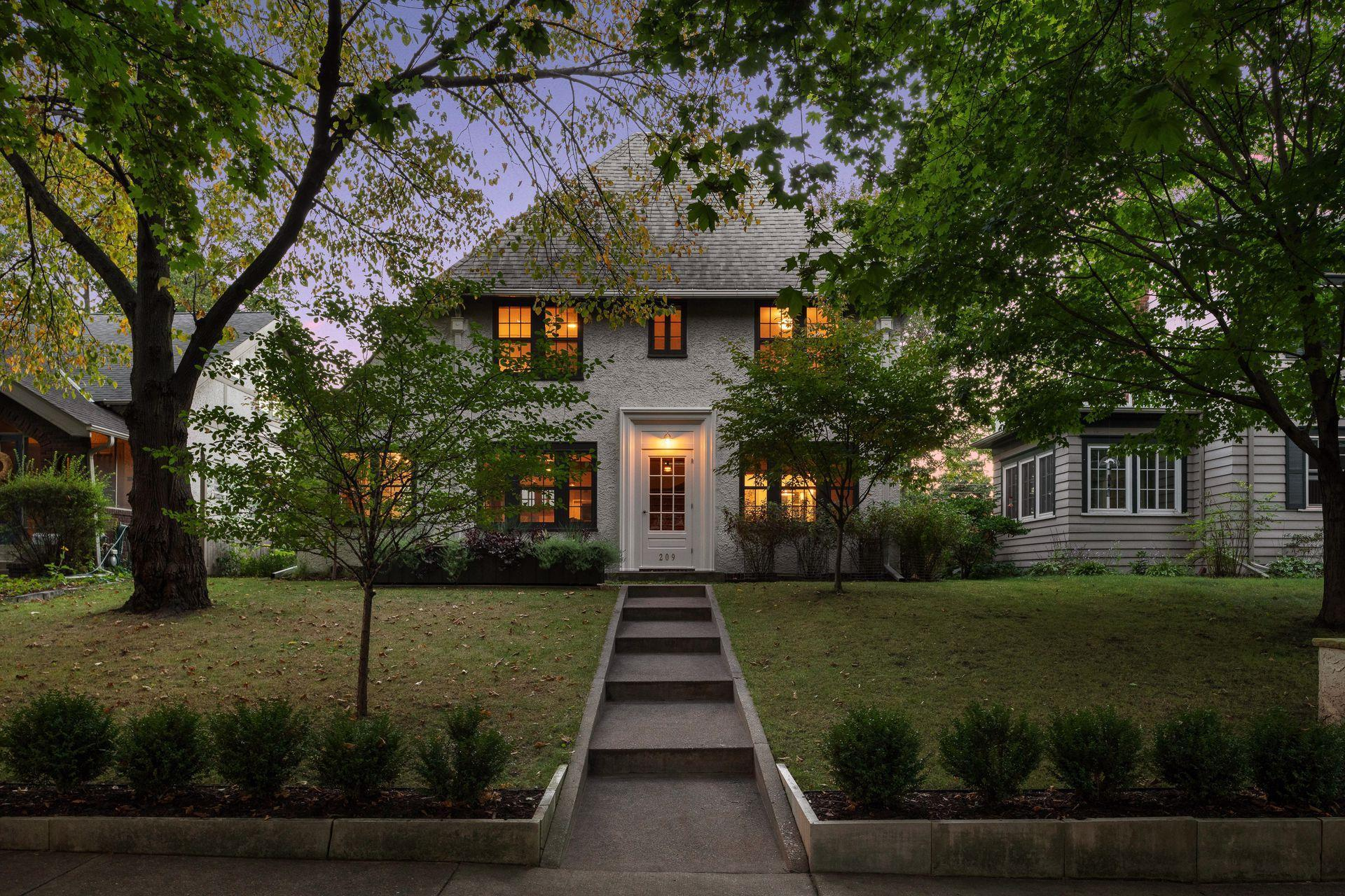209 Exeter Place Property Photo - Saint Paul, MN real estate listing