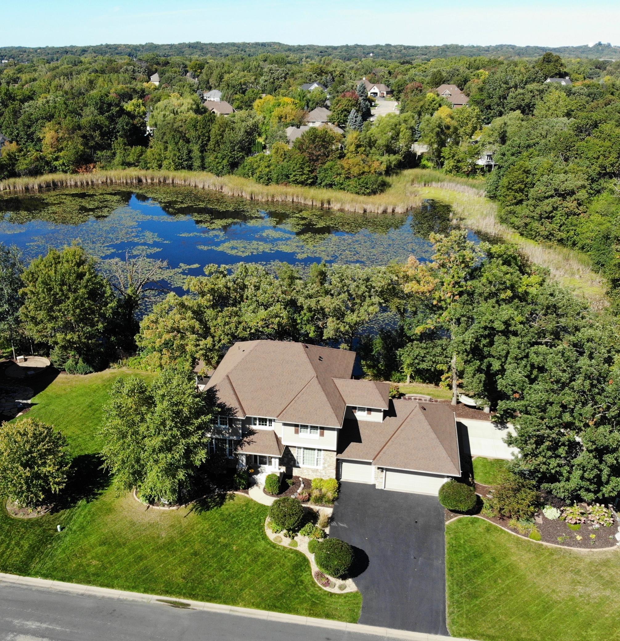 18143 Lake Forest Circle Property Photo