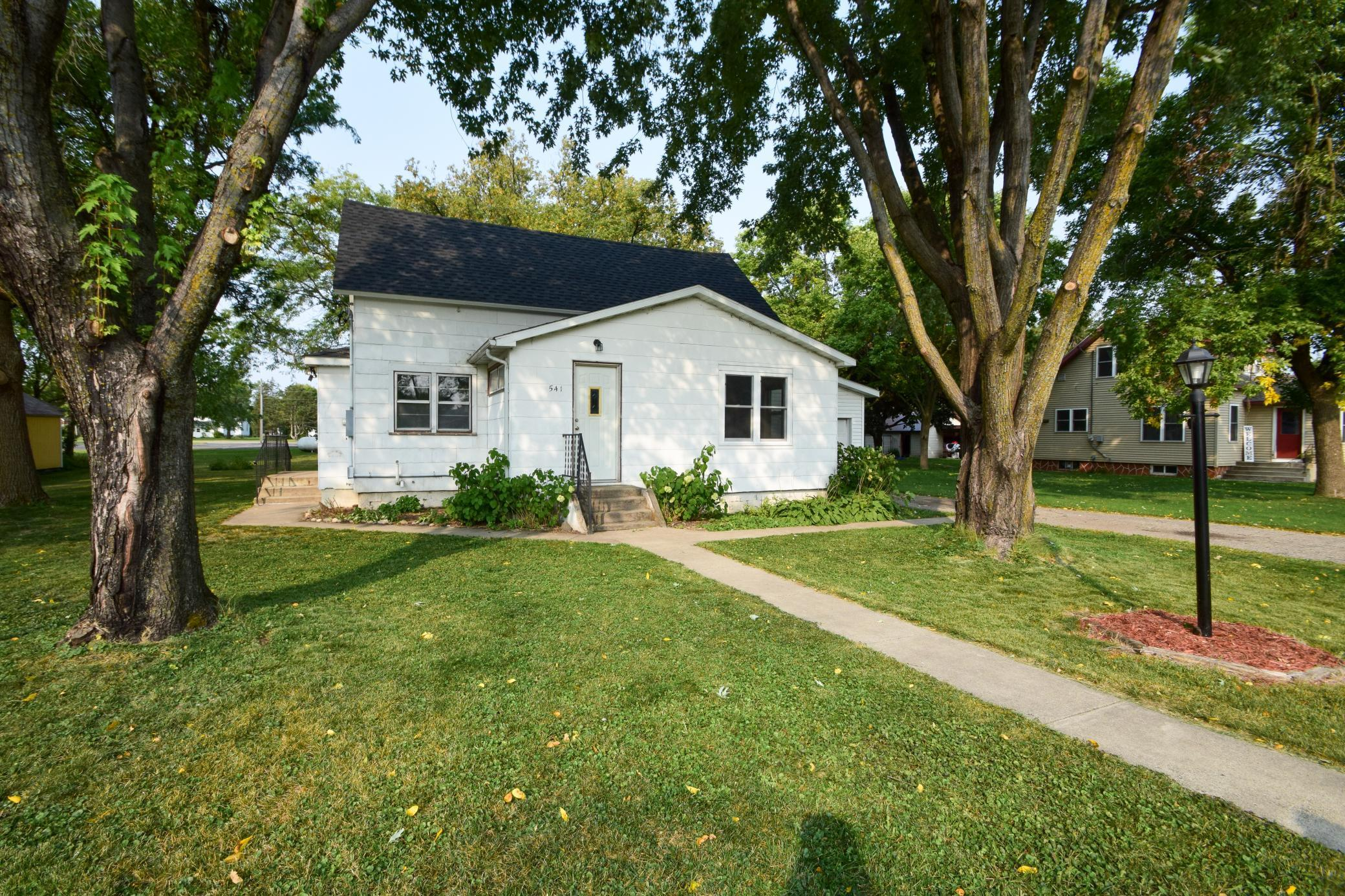 541 Oswald Avenue Property Photo - Belgrade, MN real estate listing
