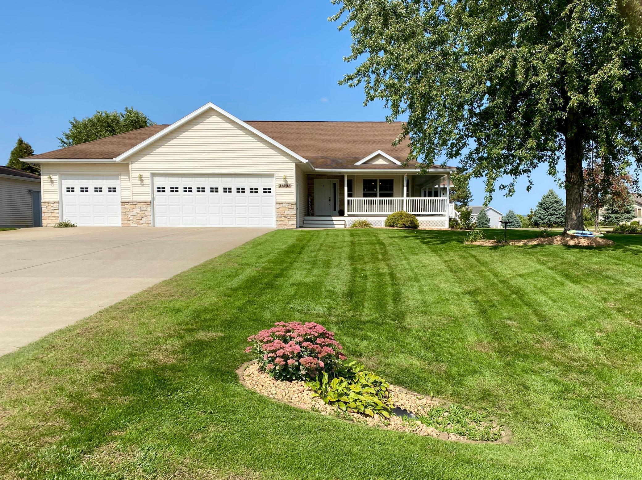 31592 Vista Path Property Photo - Lake City, MN real estate listing