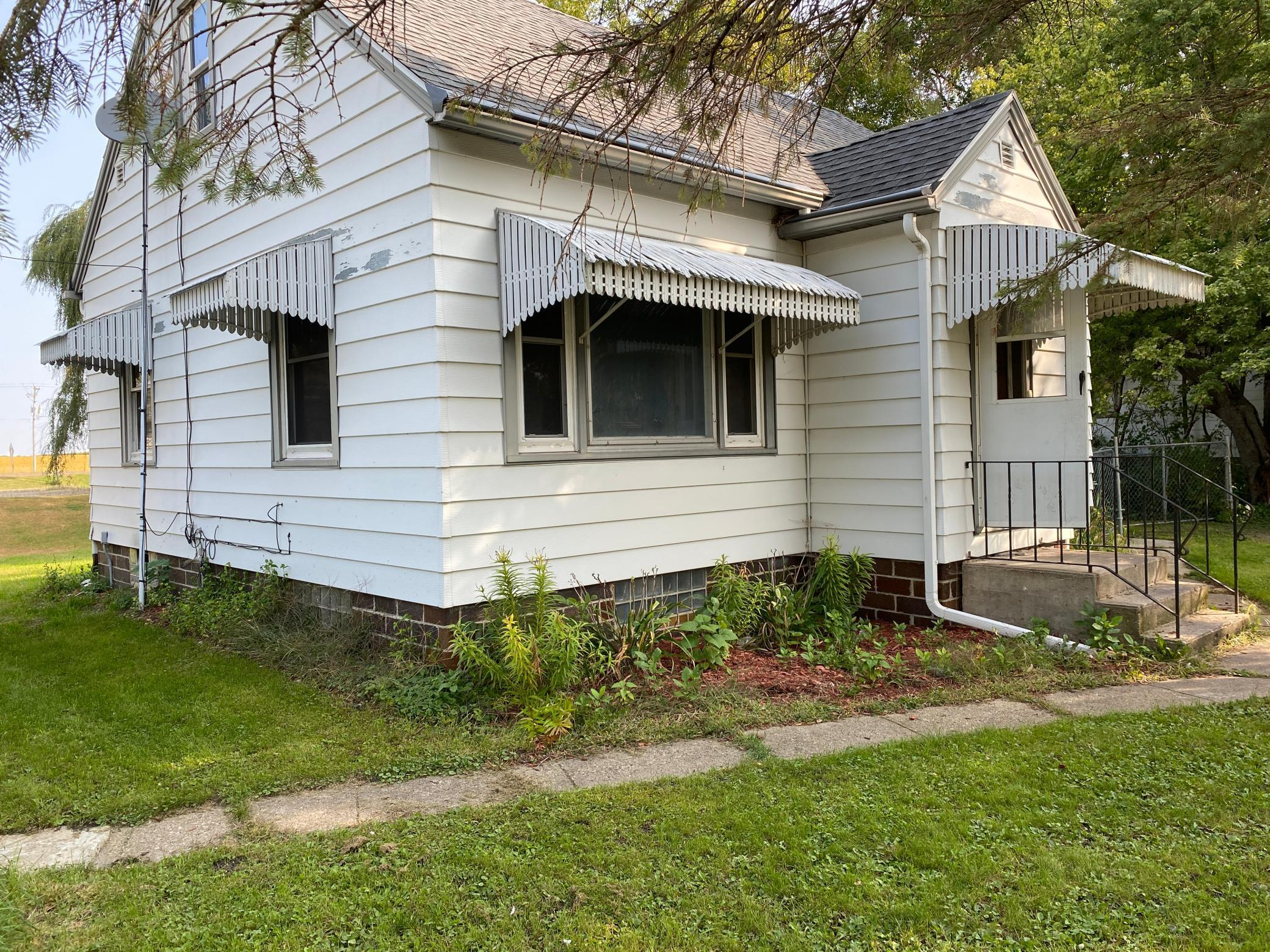 106 1st Avenue Property Photo - Myrtle, MN real estate listing