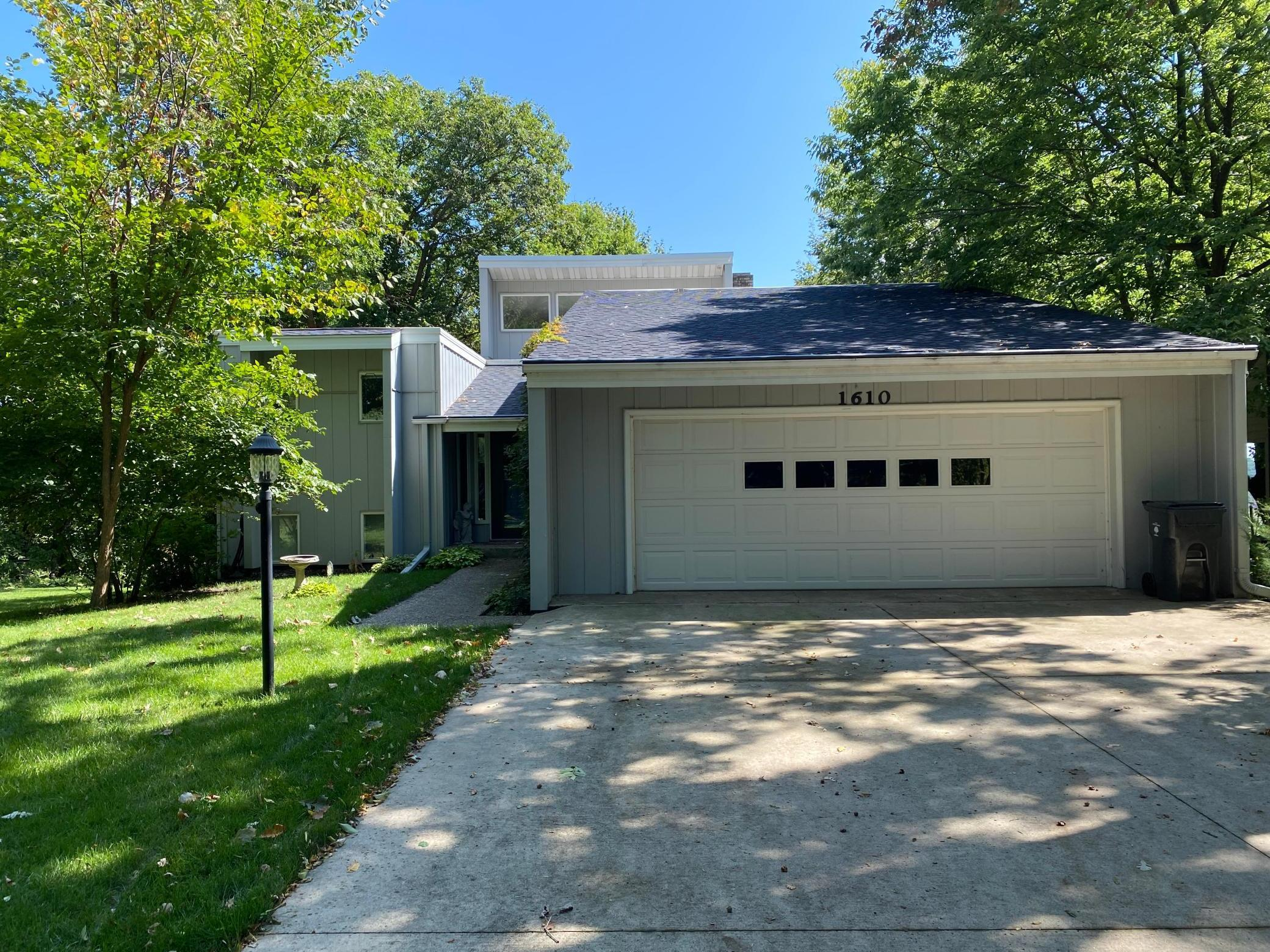 1610 Sherwood Drive Property Photo - North Mankato, MN real estate listing