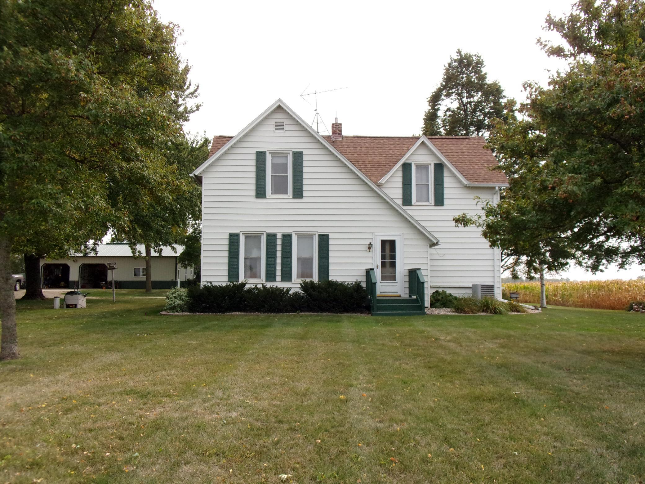 205 Wenberg Street E Property Photo - Dunnell, MN real estate listing