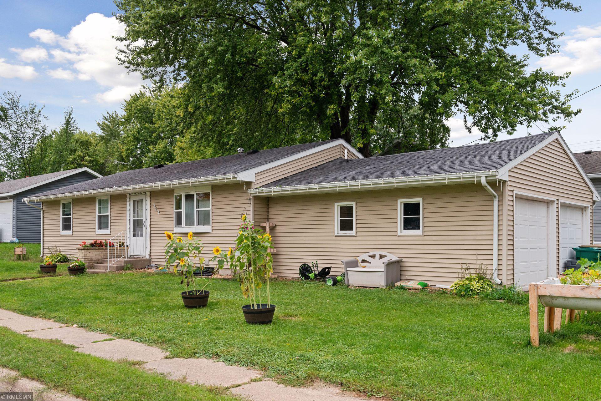 313 Lake Avenue N Property Photo - Silver Lake, MN real estate listing