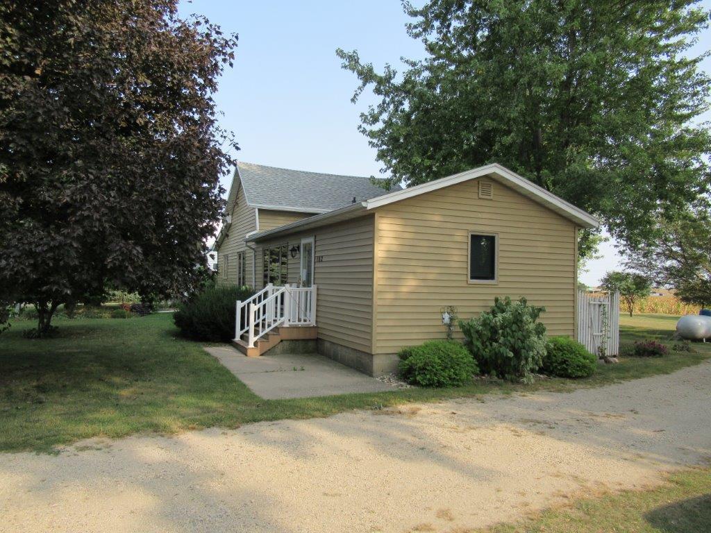 102 E South Street Property Photo - Magnolia, MN real estate listing