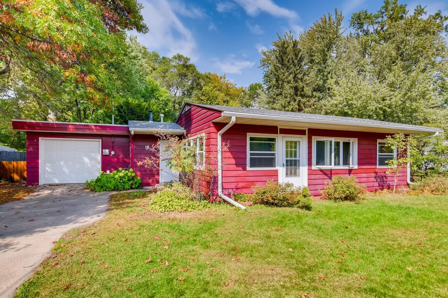 9 West Road Property Photo - Circle Pines, MN real estate listing
