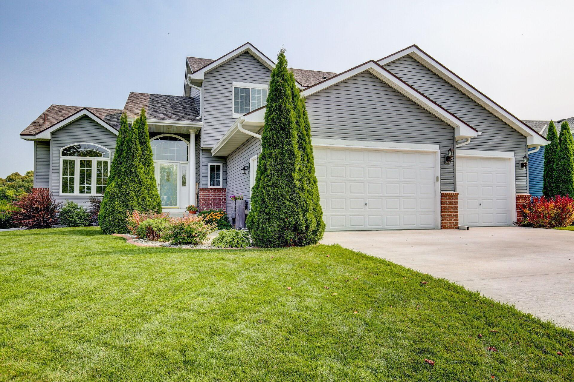 484 Arnica Drive Property Photo - Watertown, MN real estate listing