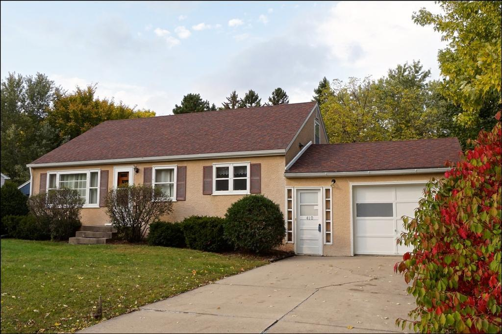 410 Greenvale Avenue W Property Photo