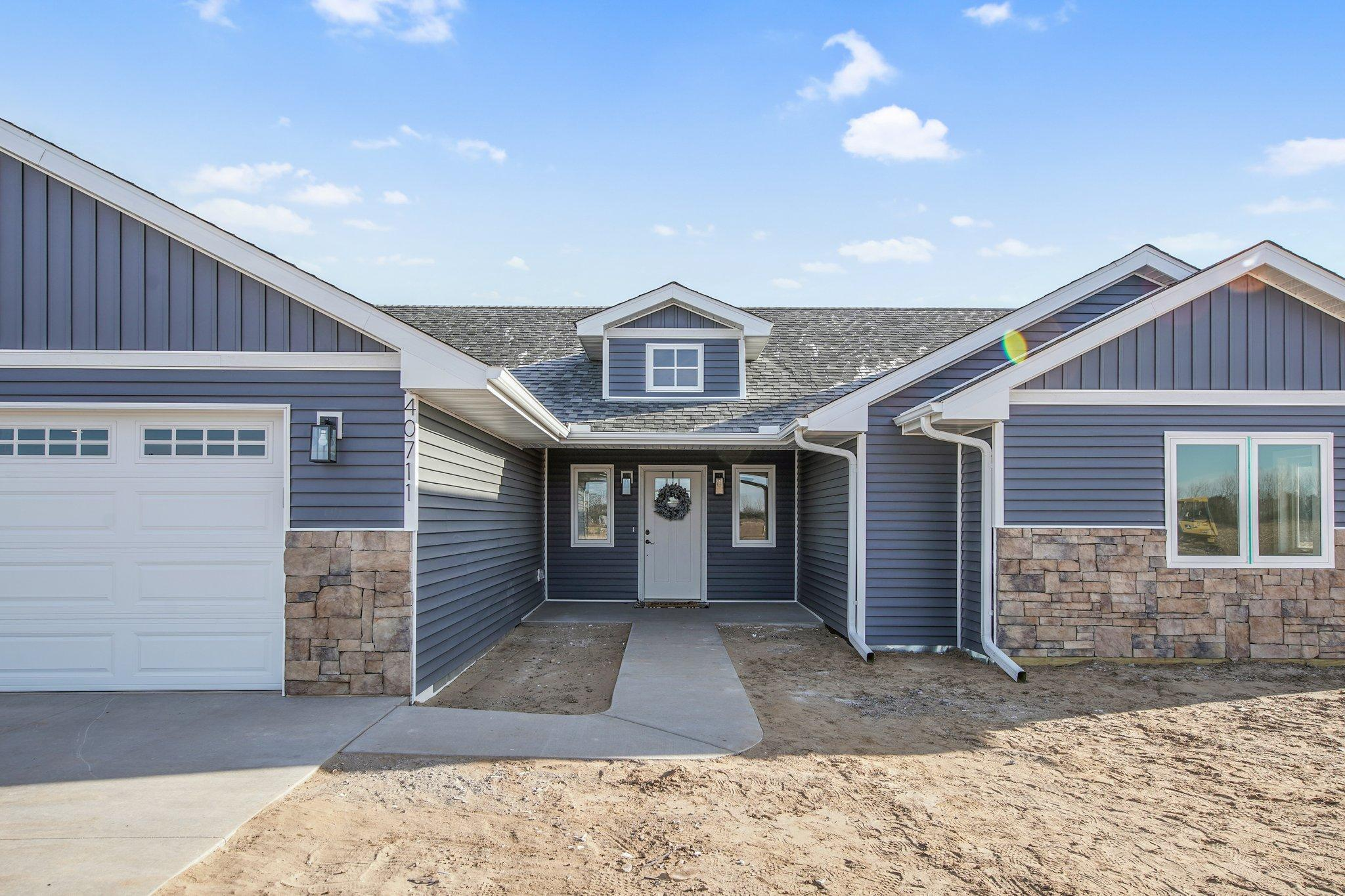 40711 Guthrie Ave Property Photo - North Branch, MN real estate listing