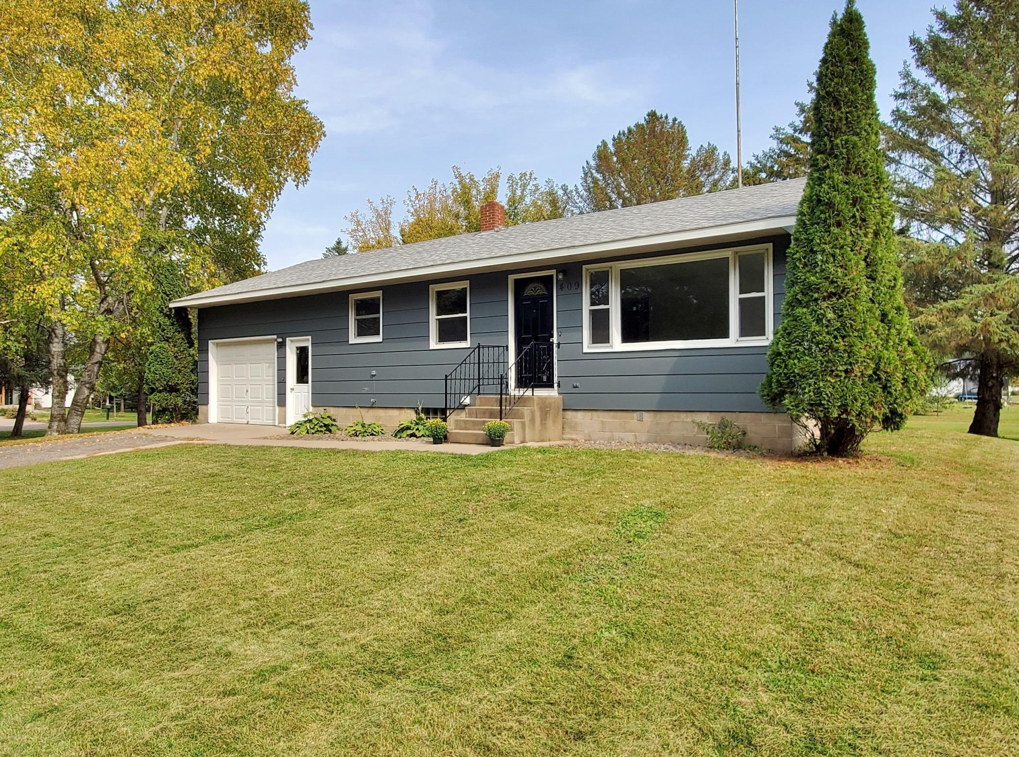 409 4th Avenue N Property Photo - Bowlus, MN real estate listing