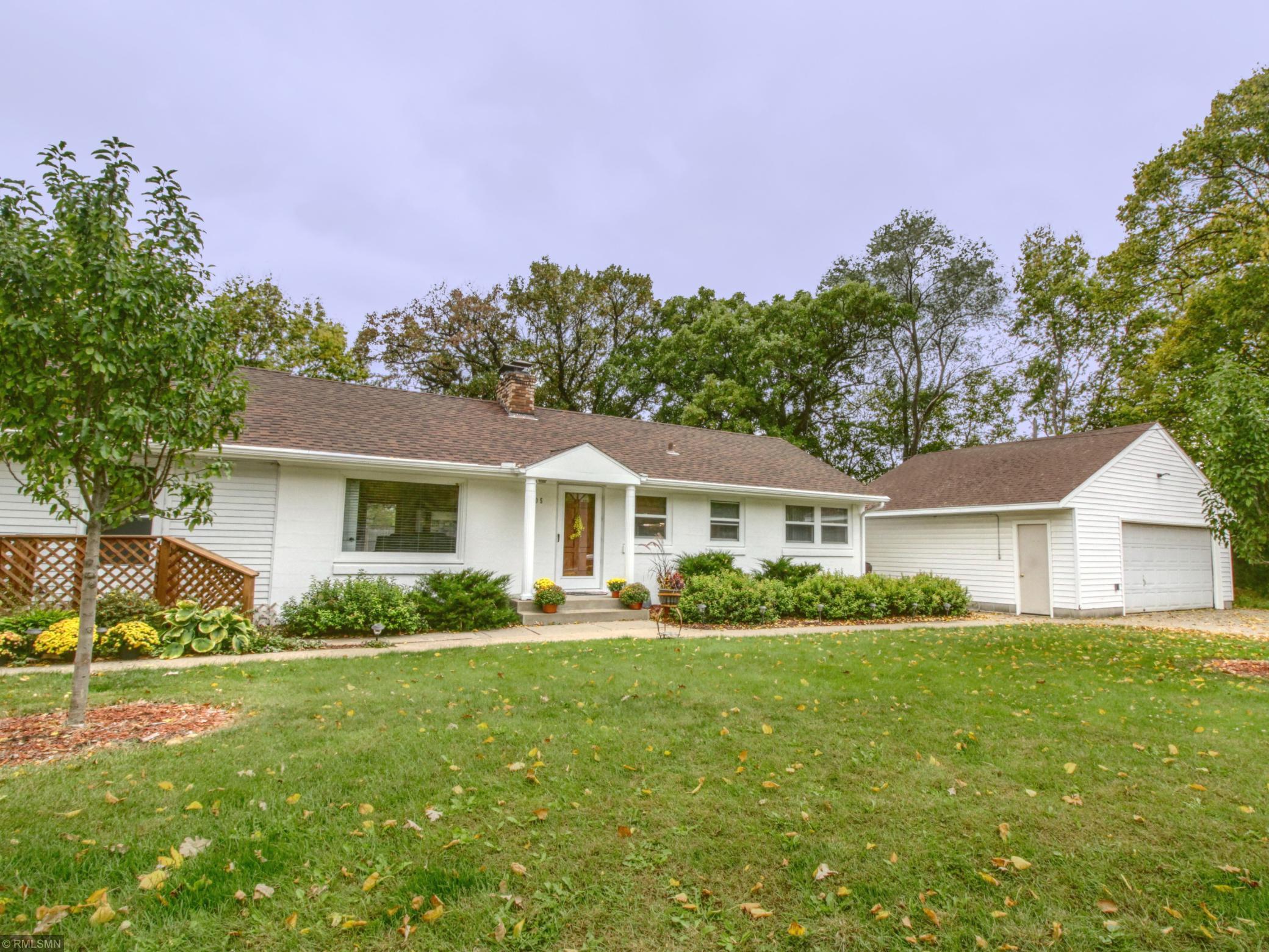 2105 Glenview Lane Property Photo - Bloomington, MN real estate listing