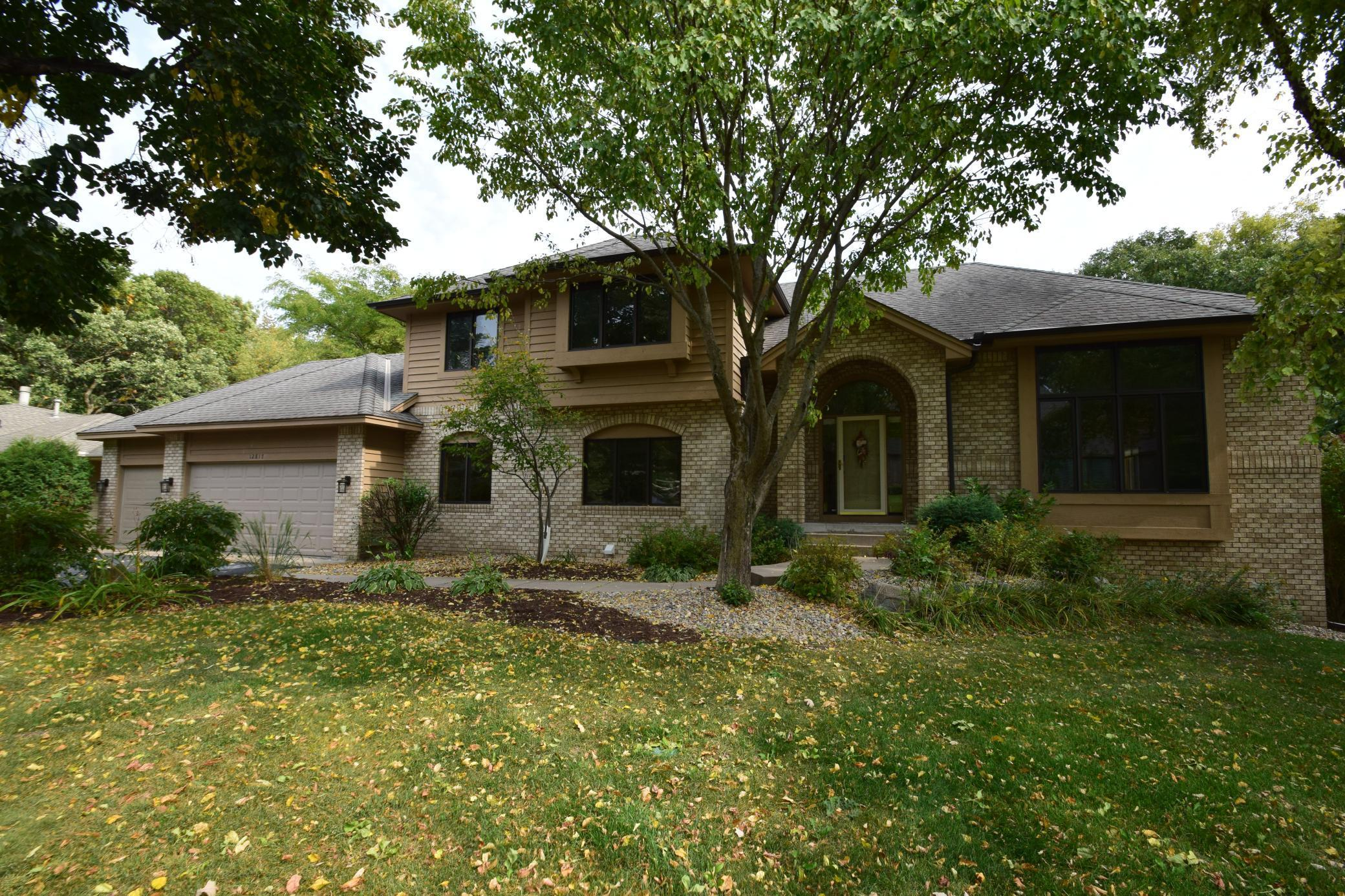 12817 Dover Drive Property Photo - Apple Valley, MN real estate listing
