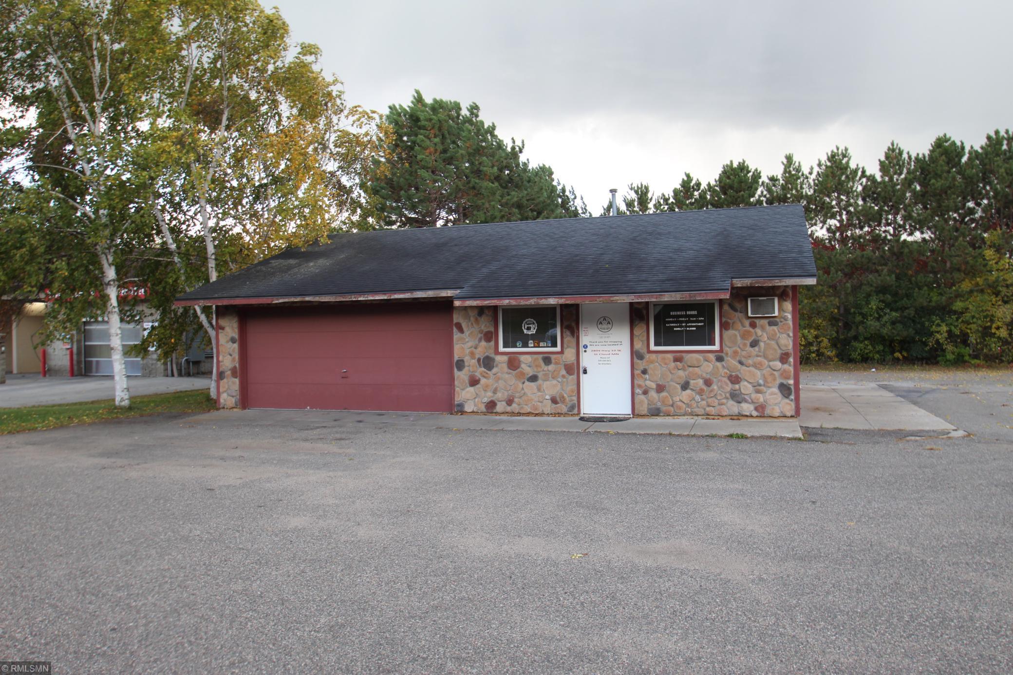 965 N Benton Drive Property Photo