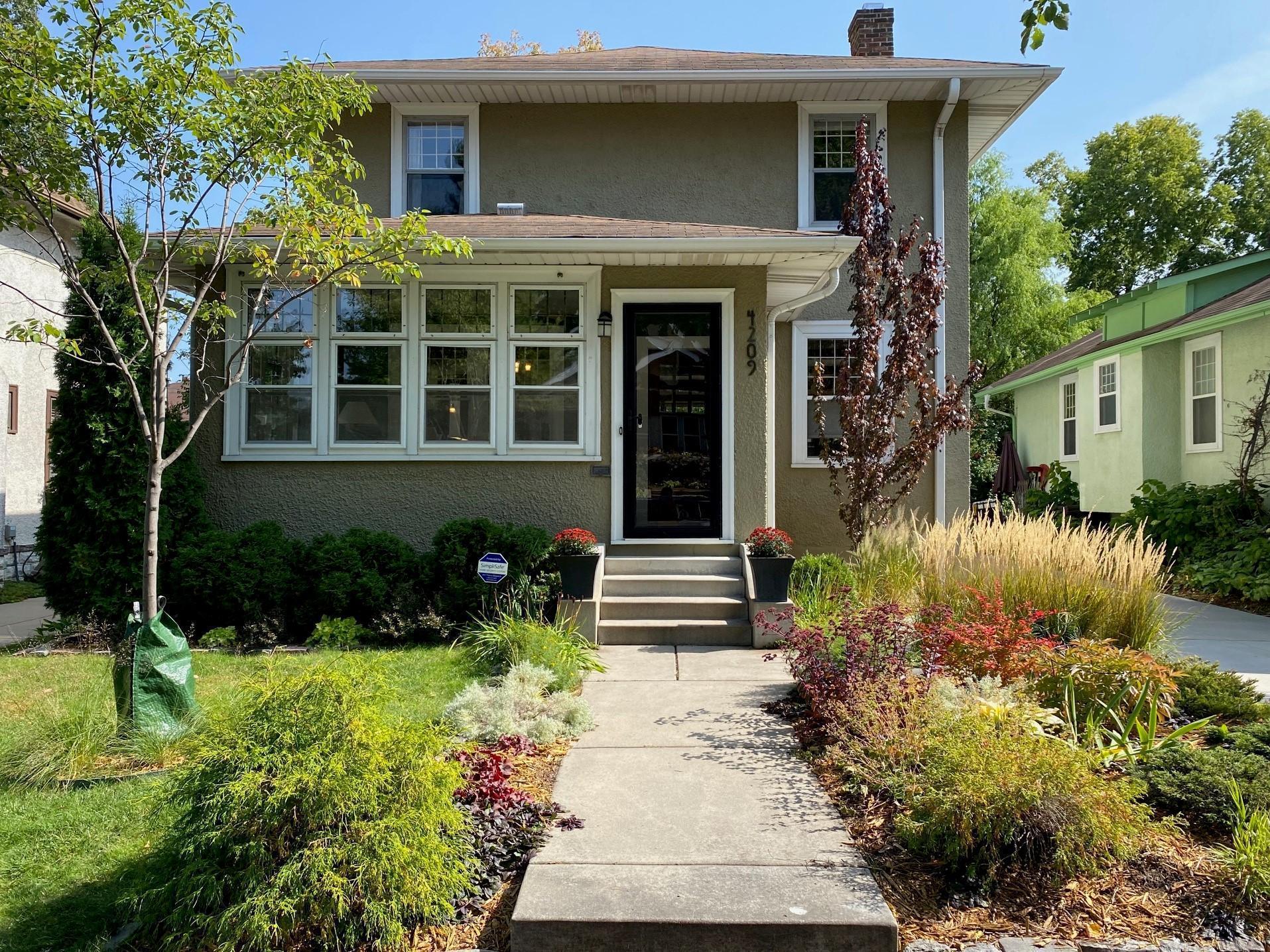 4209 Colfax Avenue S Property Photo - Minneapolis, MN real estate listing