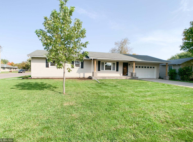 401 E Elmwood Street Property Photo - Arlington, MN real estate listing