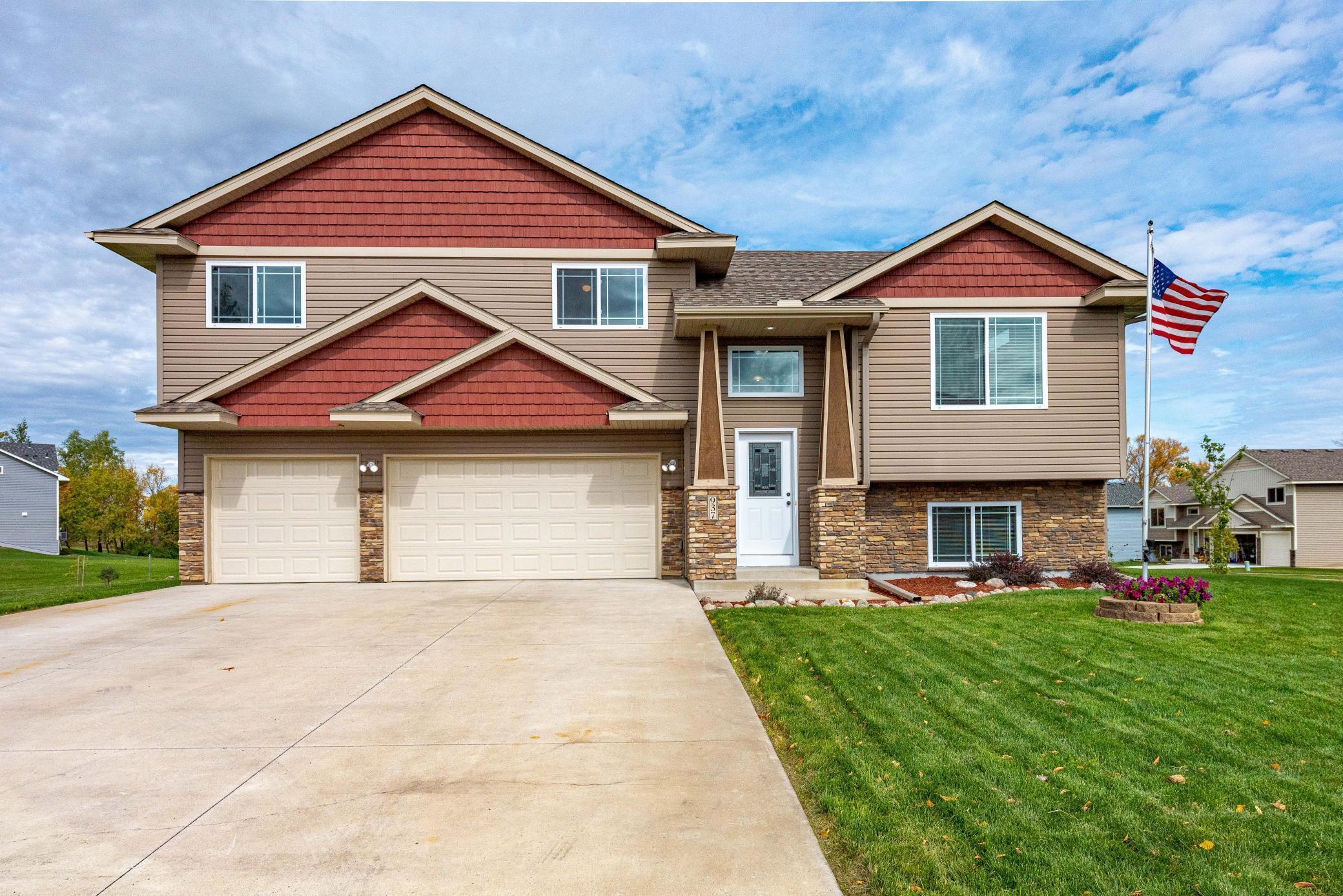 937 Breckenridge Lane Property Photo - Montrose, MN real estate listing