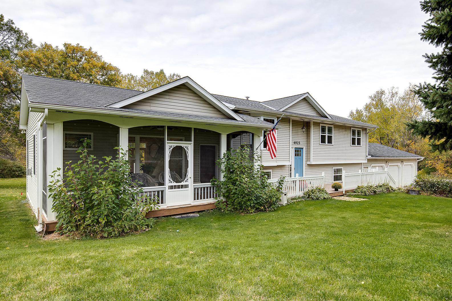 4925 70th Avenue Property Photo - Loretto, MN real estate listing