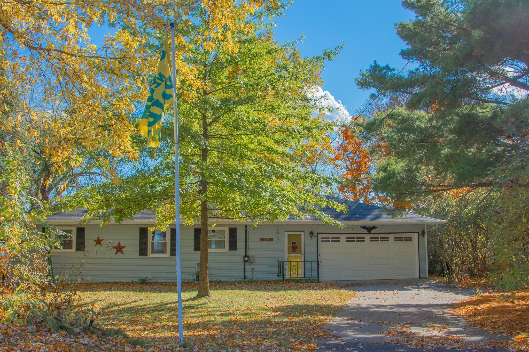 13635 Norelius Lane Property Photo - Lindstrom, MN real estate listing
