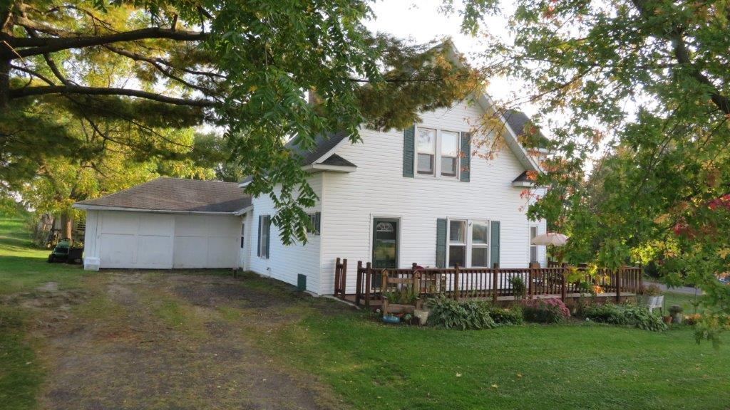 E8445 County Road V Property Photo - Eau Claire, WI real estate listing