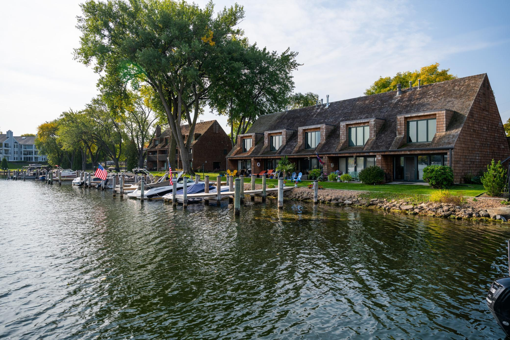 429 Lake Street Property Photo - Excelsior, MN real estate listing
