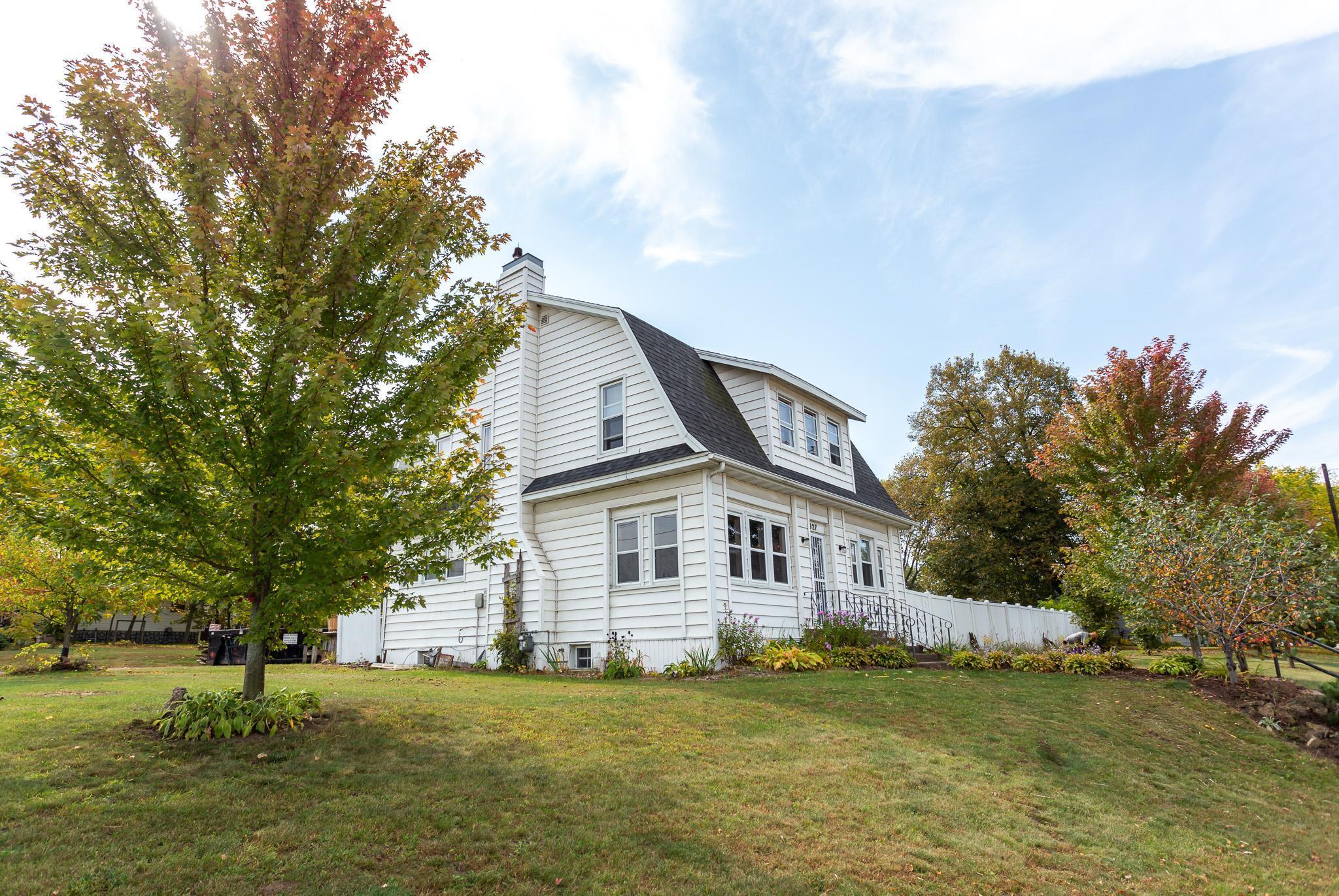 927 E Prospect Street Property Photo - Durand, WI real estate listing