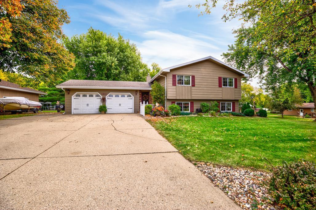 1611 Knollwood Drive Property Photo - Fairmont, MN real estate listing
