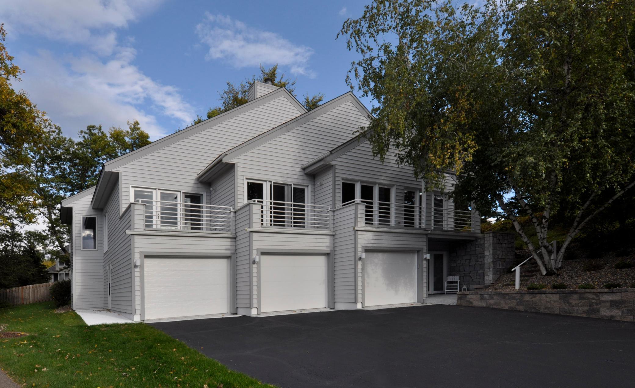 5712 Auto Club Circle Property Photo - Bloomington, MN real estate listing
