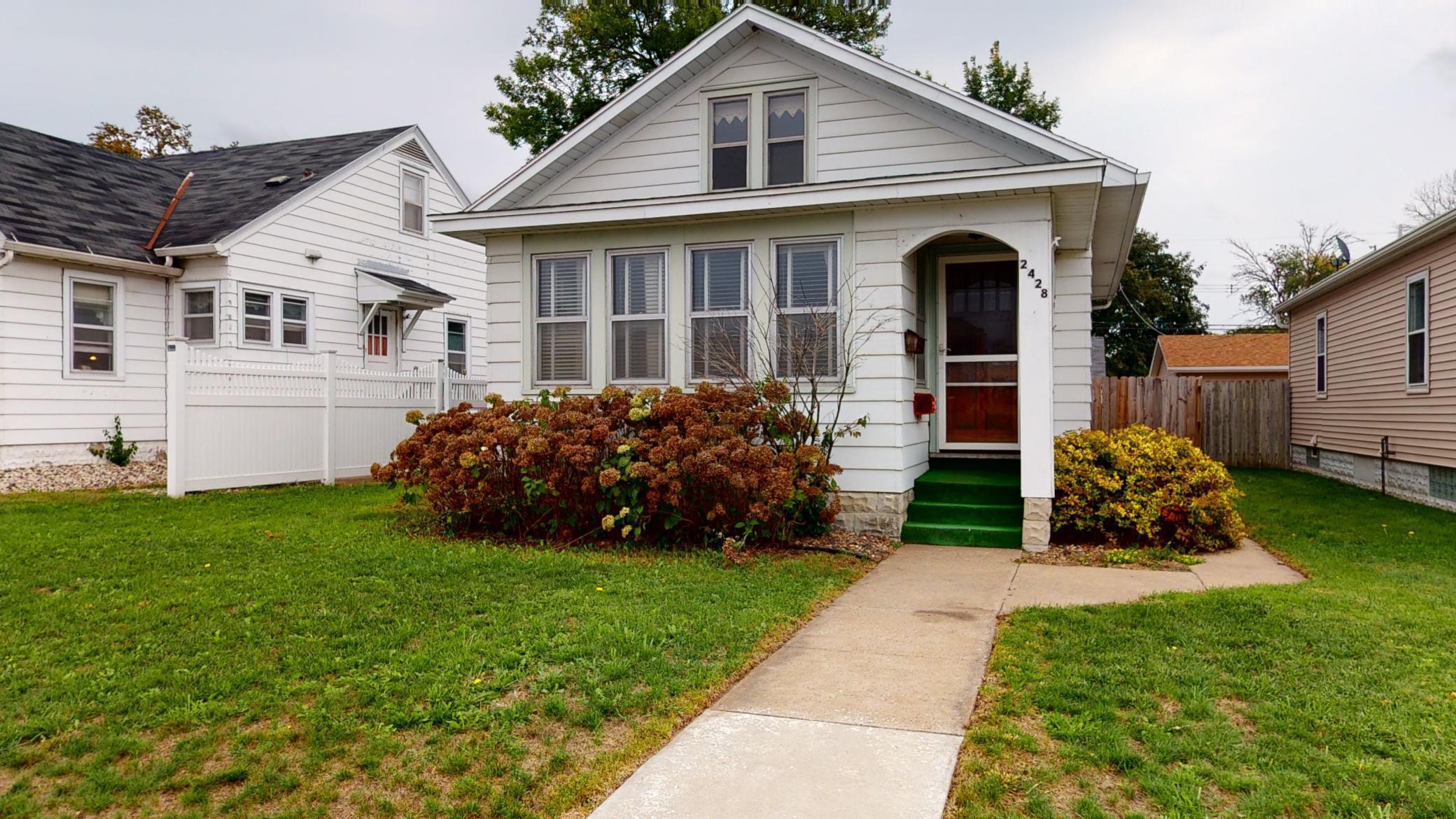 2428 George Street Property Photo - La Crosse, WI real estate listing