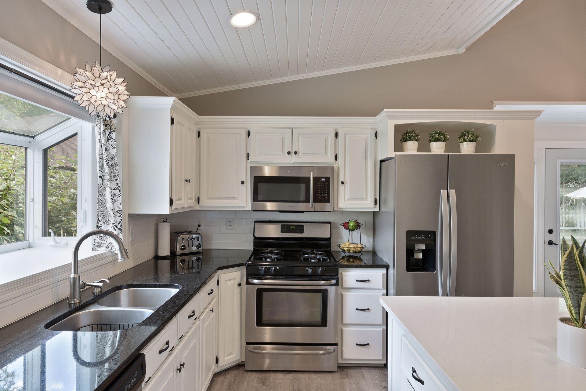 10028 Park Circle Property Photo - Bloomington, MN real estate listing