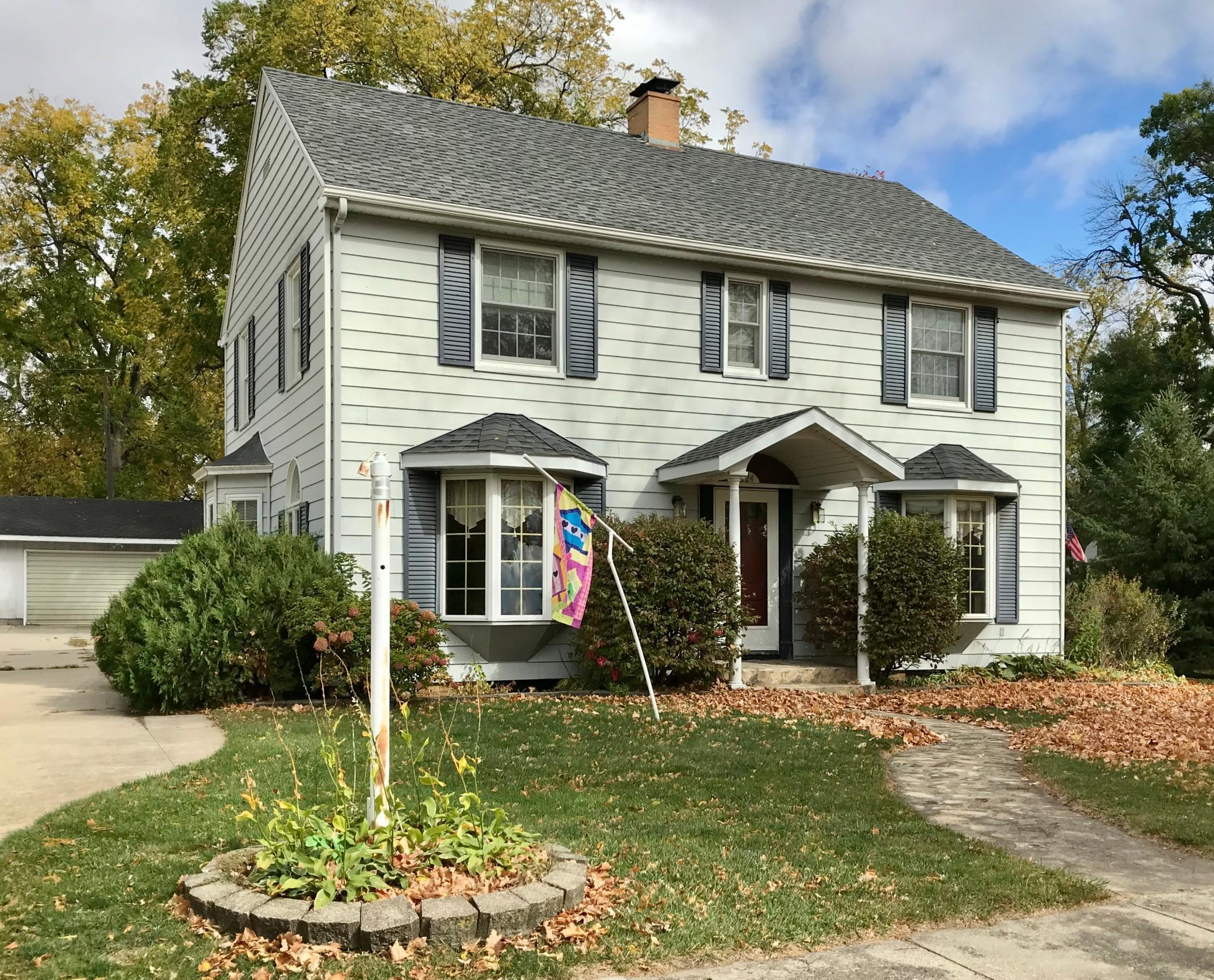 224 Lake Street E Property Photo - Emmons, MN real estate listing