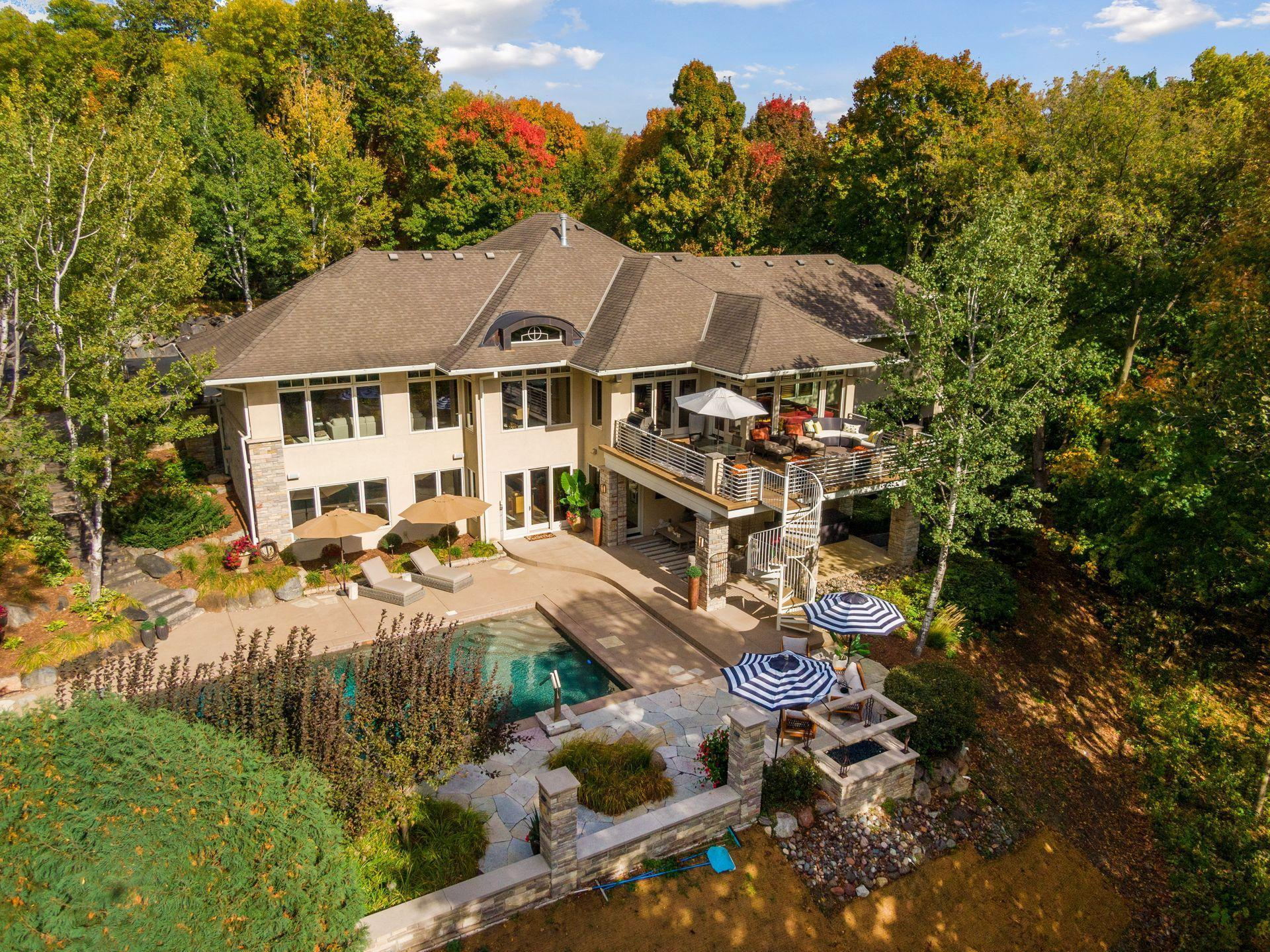 3923 Tramore Lane Property Photo - Deephaven, MN real estate listing