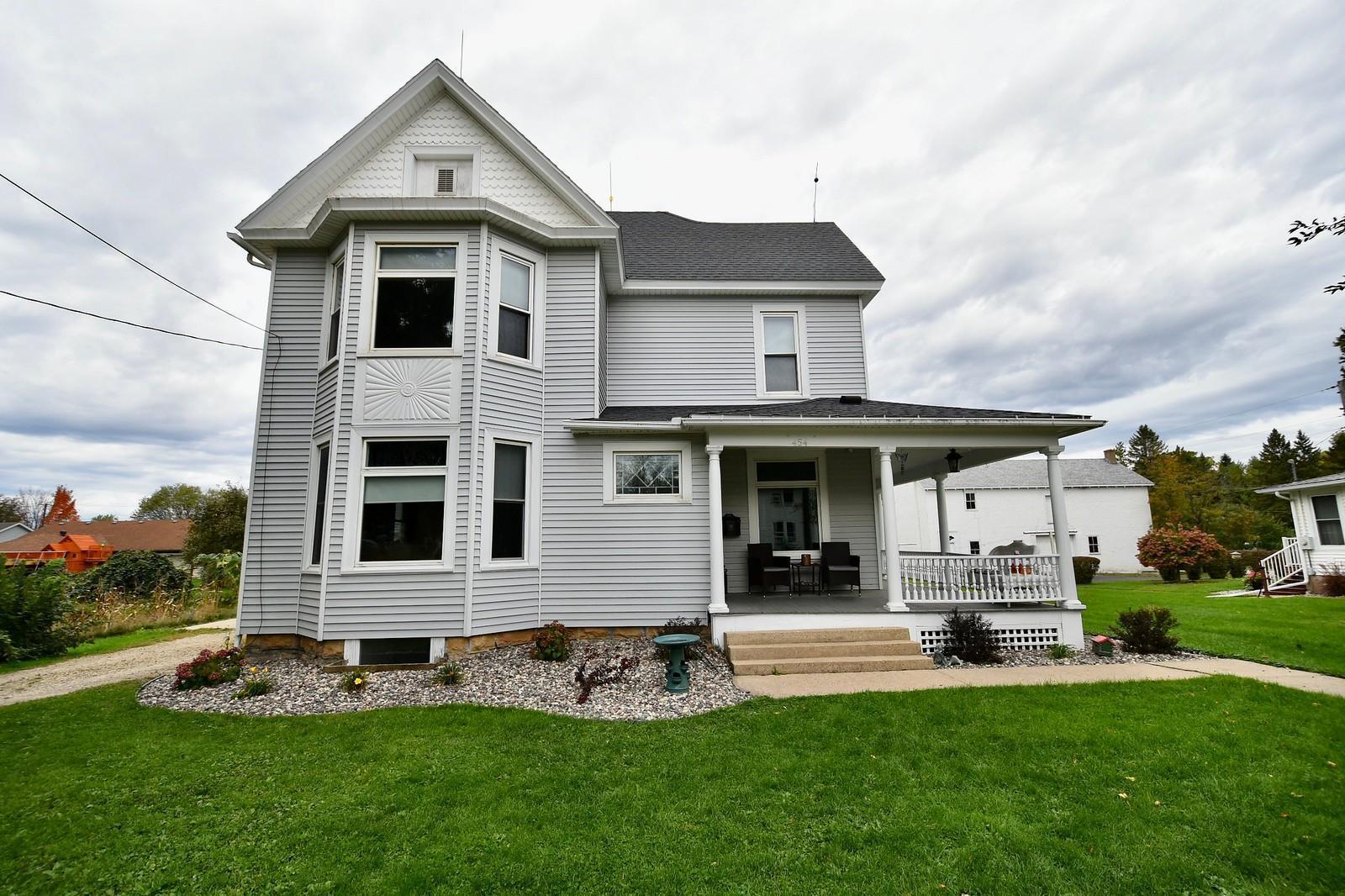 454 W 2nd Street Property Photo - Zumbrota, MN real estate listing