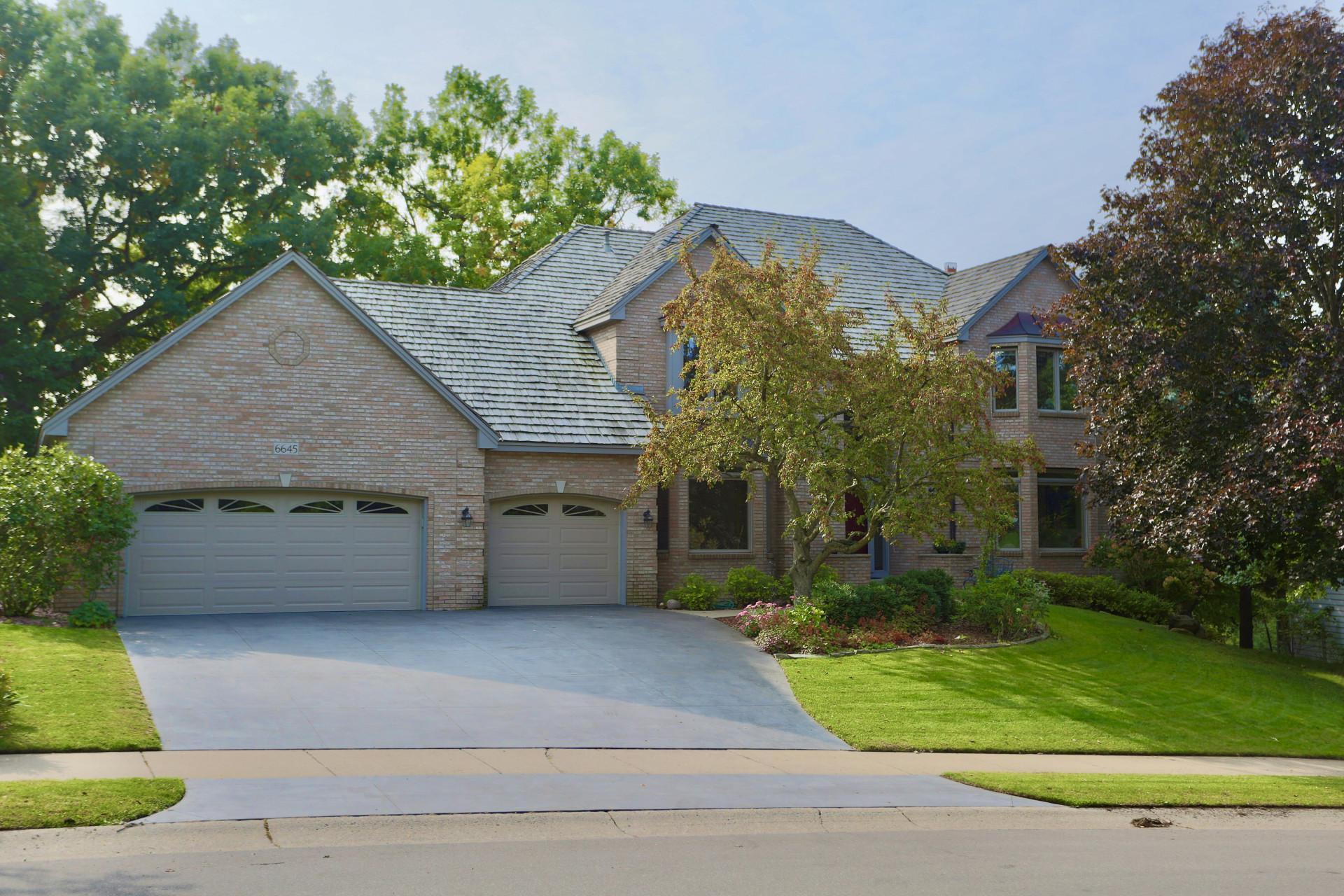 6645 Cherokee Trail W Property Photo - Eden Prairie, MN real estate listing