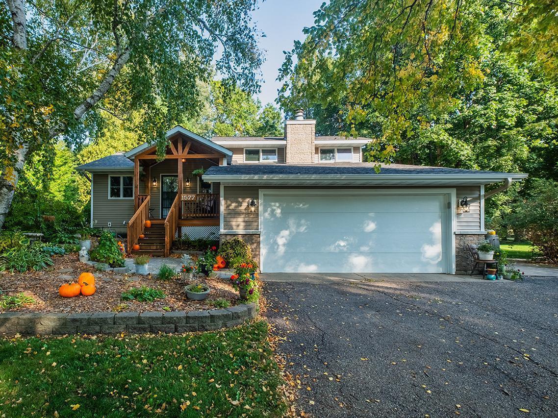 1577 Sharon Drive Property Photo - North Mankato, MN real estate listing