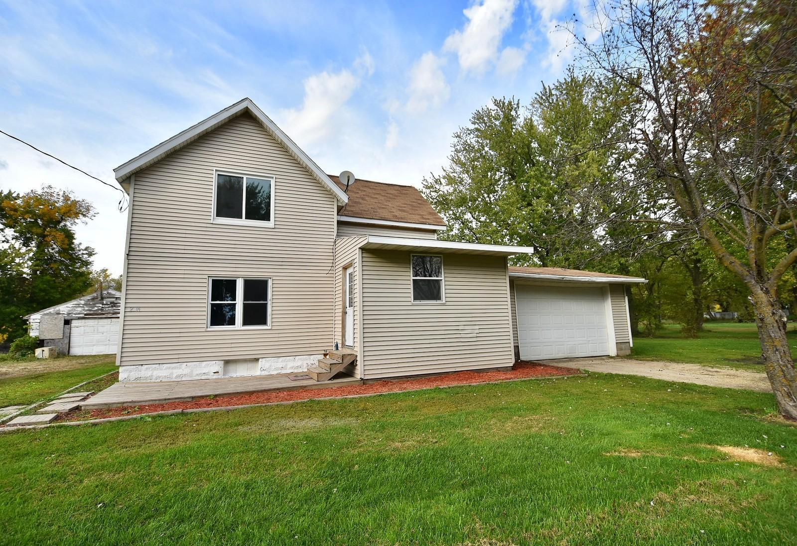 254 Pleasant Street Property Photo - Dexter, MN real estate listing