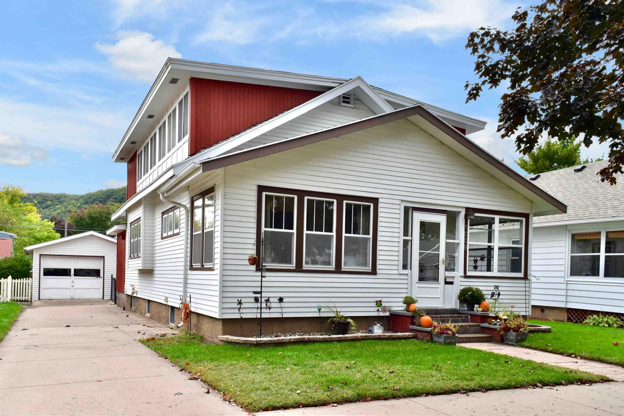 1009 W Howard Street Property Photo