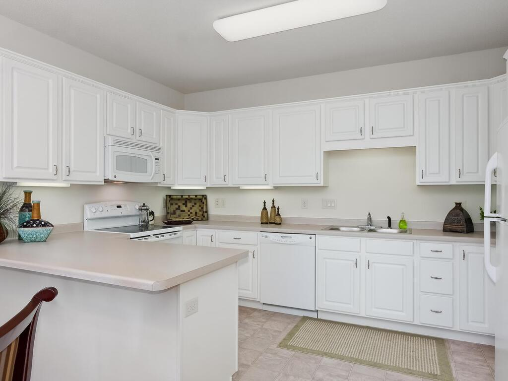 8100 Russell Avenue S #402 Property Photo - Bloomington, MN real estate listing